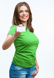 Femme tenant la carte de blanc Image stock