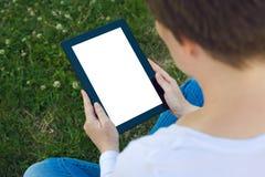 Femme tenant la tablette numérique Images libres de droits