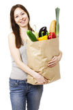 Femme tenant le grand sac des épiceries de Healthly Photos libres de droits