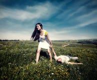 Femme tirant un homme giflé Photographie stock