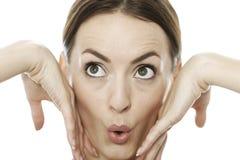 Femme tirant un visage drôle Images libres de droits