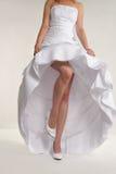 Femme \ 'torse de s dans la robe de mariage blanche image stock