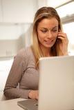 Femme travaillant du Home Office  Photos libres de droits