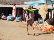 Femme tribal de Bonda sur le marché Photographie stock libre de droits