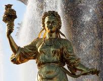 Femme Ukraine de symbolisation - une partie de l'amitié de fontaine de N Photo libre de droits