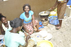 FEMME UN TRAVAIL image stock