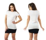 Femme utilisant la chemise blanche vide et la jupe noire Images libres de droits