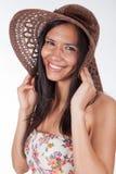 Femme utilisant un chapeau Images libres de droits
