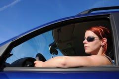 Femme, véhicule, pilotant Images stock