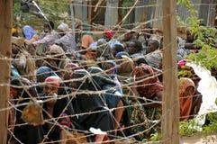 Femmes africaines attendant désespérément l'aide Photographie stock