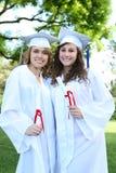 Femmes assez jeunes à la graduation Photographie stock libre de droits