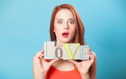 Femmes avec amour de mot Photo libre de droits