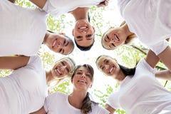 Femmes avec des têtes ensemble Images stock