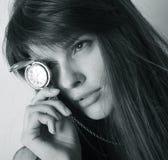 Femmes avec la montre photographie stock libre de droits