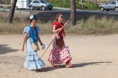 Femmes avec la robe espagnole traditionnelle de flamenco Image libre de droits