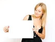 femmes blanc de papier de fixation jeunes Photos stock