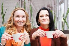 Femmes buvant du café Photos libres de droits
