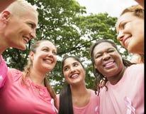 Femmes combattant le cancer du sein Photos libres de droits