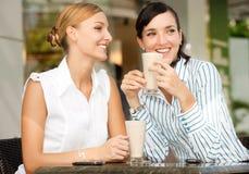 Femmes d'affaires avec du café Photographie stock