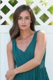 Femmes d'une chevelure de sourire de brune en Floride Photo libre de droits