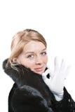 Femmes dans le manteau de fourrure noir - en bon état image stock