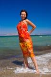 Femmes dans le pareo en vacances Photographie stock libre de droits