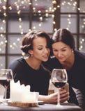 Femmes dans le restaurant Image stock