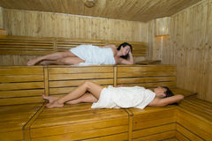 Femmes dans le sauna Images libres de droits