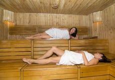 Femmes dans le sauna Image libre de droits