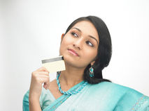 femmes de crédit de carte Images stock