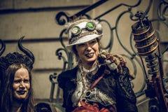 Femmes de la convention deux de Steampunk image libre de droits