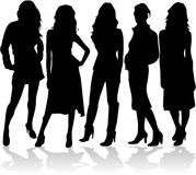 Femmes de mode 5 silhouettes   Photo stock
