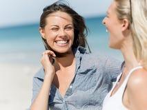 Femmes de photo sur la plage Photo stock