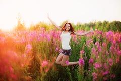 Femmes en fleurs Images stock