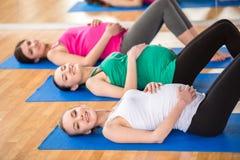 Femmes enceintes au gymnase Photos libres de droits