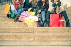 Femmes et achats Photo stock