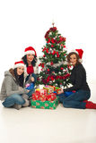 Femmes gais avec des cadeaux de Noël Photo stock
