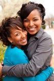 Femmes heureuses d'Afro-américain riant et souriant Photographie stock