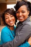 Femmes heureuses d'Afro-américain riant et souriant Image stock