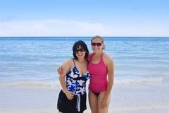 Femmes heureuses des vacances photographie stock libre de droits
