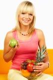 Femmes heureux avec des fruits Photo libre de droits
