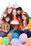 Femmes heureux avec les cadeaux et le gâteau Images libres de droits