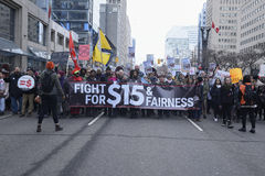 Femmes mars à Toronto Image stock