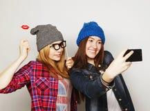 Femmes prenant le selfie Images stock