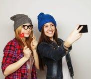 Femmes prenant le selfie Photos stock