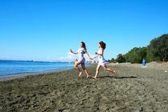 Femmes sur la plage Image libre de droits