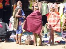 Femmes tribals de Bonda sur le marché Image libre de droits