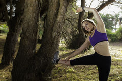 Femmina alta corrente dell'atleta della donna di punti Fotografie Stock Libere da Diritti