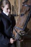 Femmina a cavallo Rider With Horse Immagini Stock