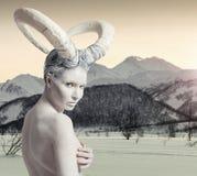 Femmina con body art della capra Fotografie Stock Libere da Diritti